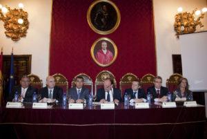 """Congreso Nacional Desahucios y Ejecuciones Hipotecarias """"Un drama social y un problema legal"""" celebrado en el Paraninfo de la facultad de Derecho de la Universidad de Granada."""